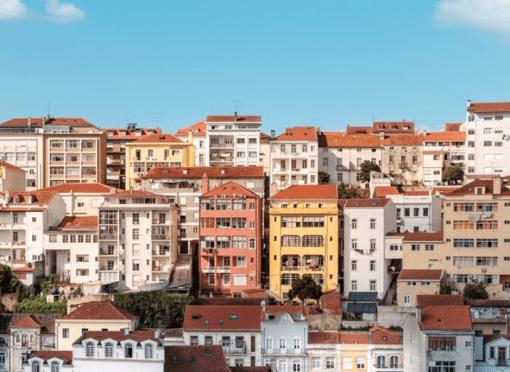Bezoek je de hoofdstad Lissabon of het romantische Porte? Beide steden zijn fantastisch voor een week(endje) weg, maar hoe maak je nou een keuze?Open dit artikel, want ik vergelijk ik de verschillen tussen Lissabon of Porto wat betreft de activiteiten, de prijzen, de accommodatie en het eten. Lissabon of Porto, Lissabon versus Porto, Lissabon citytips, Porto citytips, accommodatie Lissabon, hotspots Lissabon, hotspots Porto, eten Lissabon, eten Porto, bevolking Lissabon, citybattle, eten Portugal, food Lissabon, Drinks Lissabon, Things to do Lissabon, Things to do Porto