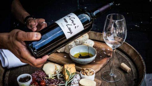Met dit lijstje kan je helemaal uit de voeten want je kan de wijnen ook gelijk bestellen. En dan hebben we niet gekeken naar de standaard wijnen uit de supermarkt. Maar heerlijke bijzondere wijnen waar jij je gasten mee verrast.