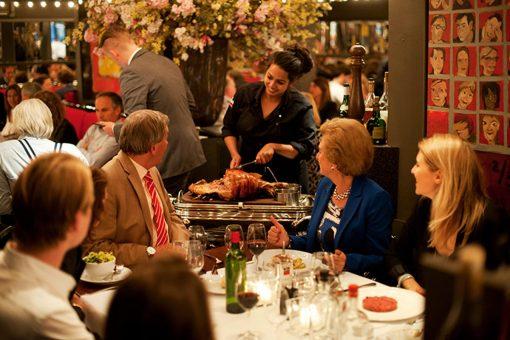 In een periode waar restaurants opzoek zijn naar nieuwe trends, blijft restaurant Le Garage, 30 jaar na opening, dezelfde succesfactoren toepassen. Inzet voor culinair vakmanschap, fijne wijnexpertise in een klassieke setting. Vanaf nu op jullie culinaire bucketlist: restaurant Le Garage. Lees hier waarom!