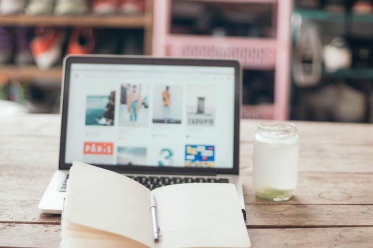 Als ZZP'er is de zoektocht naar de ideale flexwerkplek soms al een dagtaak op zich, waardoor het werk nog meer vertraging oploopt. Waar de één behoefte heeft aan warmte en gezelligheid zoekt de ander juist naar een oase van rust.Van flexwerkplekken waar je de hele dag wilt werken tot ideale locaties voor brainstormsessies & meetings; voor alle ZZP'ers en kleine start-ups hebben we een aantal fijnewerkplekkeninAmsterdam op een rij gezet.