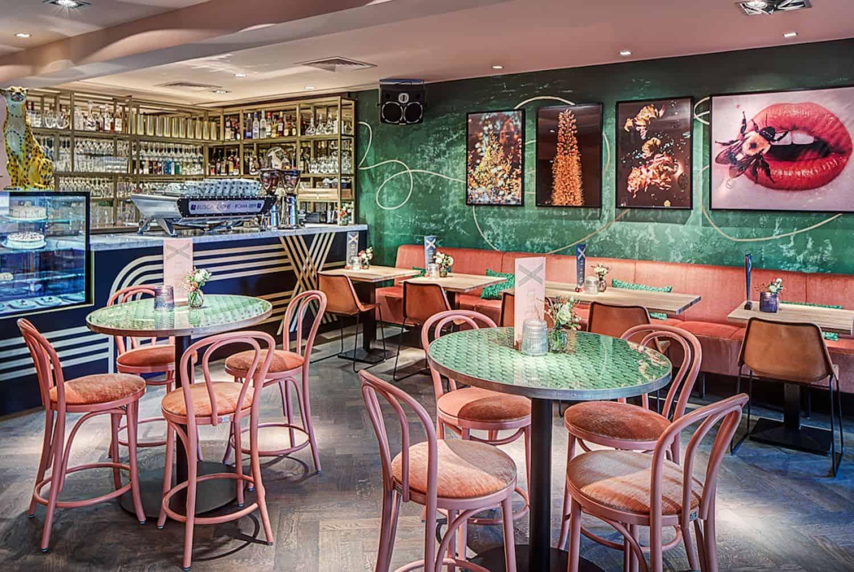 Restaurant REX Hilversum. Dineren in hilversum. Uiteten in Hilversum. Multiconcept Hilversum. Shared dining Hilversum. Streetfood Hilversum.