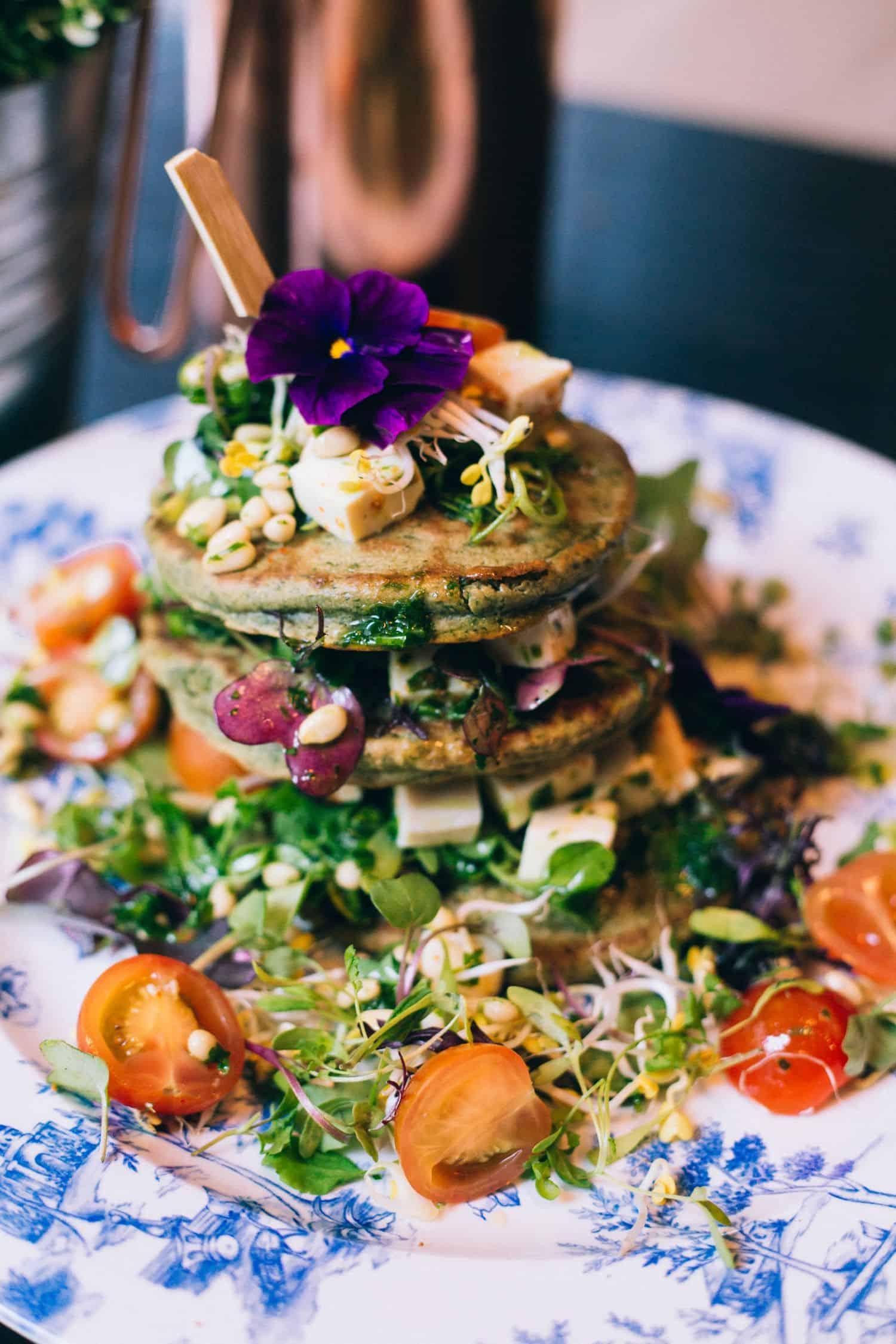 Vegan eten. Vegan restaurants Nederland. Vegan lunchen. Vegan hotspots. Vegen dineren in Nederland.