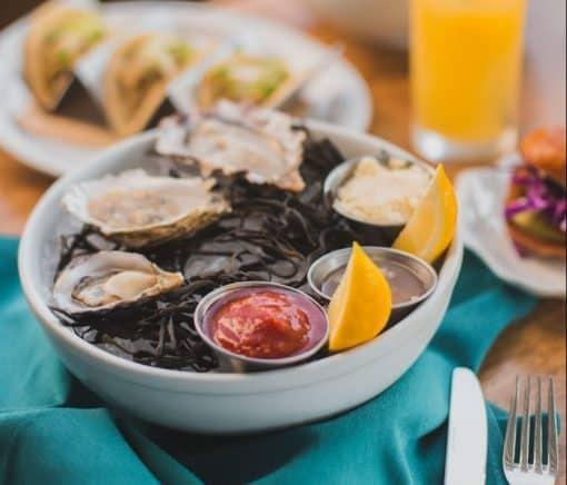 Weekend Tips Amsterdam. oesterbar amsterdam - oesters eten in Amsterdam - hotspots voor oesters - beste oesters amsterdam - weetjes oesters - oesters in amsterdam oost