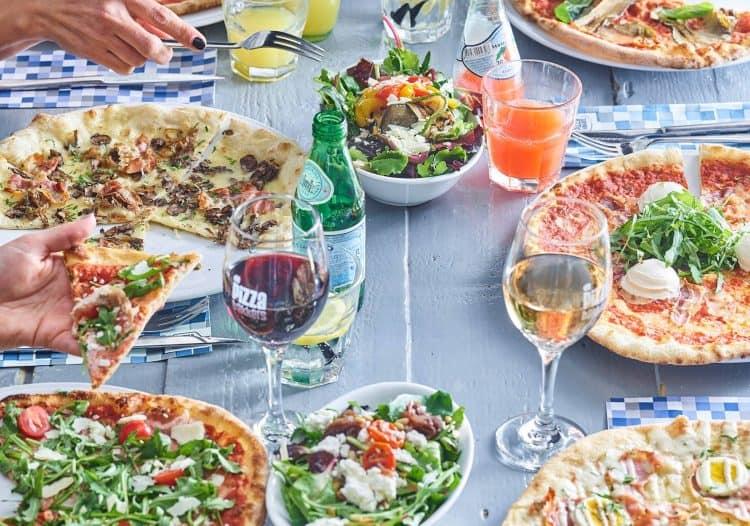 pizza in Amsterdam // pizzeria's in Amsterdam // Pizza hotspots in Amsterdam // De beste pizza van Amsterdam
