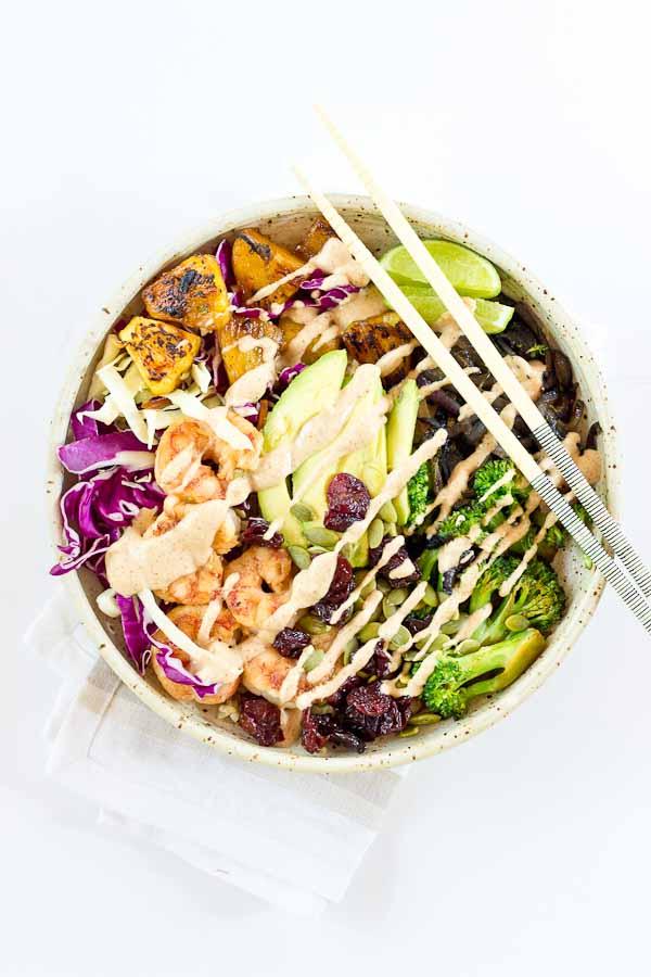gezonde buddha bowl recepten - buddha bowl recept - buddha bowl kikkererwten - budha bowl vegetarisch - breakfast bowl recepen - buddha bowl zelf maken - recept voor buddga bowl - vegan buddha bowl - poke bowl recepten